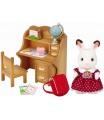 """Sylvanian Families 5016 Nábytek """"chocolate"""" králíků - sestra u psacího stolu se židlí"""