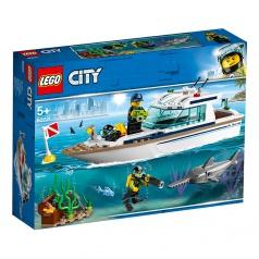 LEGO City 60221 Potápačská jachta