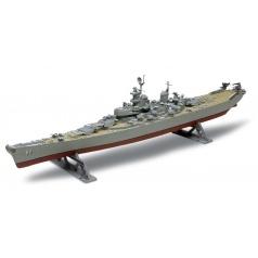 Revell Plastic ModelKit MONOGRAM loď 0301 - USS Missouri Battleship (1:535)