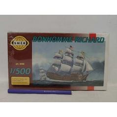 Směr modely plastové BONHOMME Richard     loď 1:500